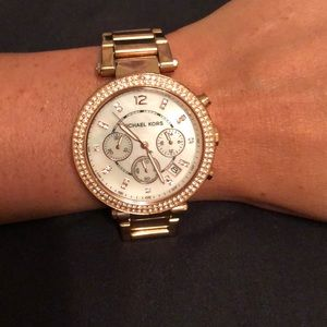 AUTHENTIC MICHAEL KORS ROSE GOLD WATCH